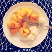 Nyskåret mango og melon